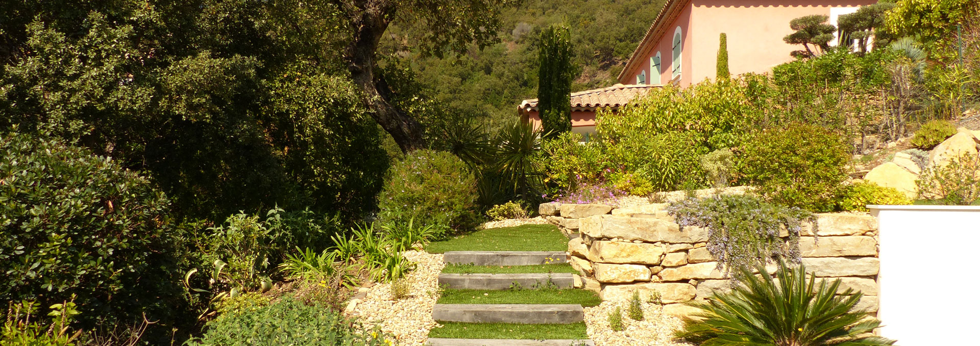 Gros pins jardinier paysagiste hy res var toulon Tarif entretien espace vert particulier